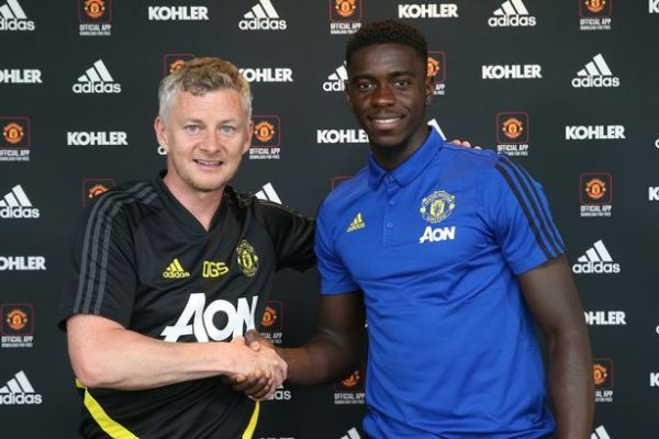 Manchester United have signed a new contract with Axel Tuanzebe.